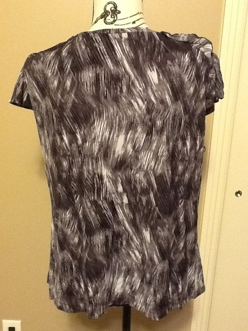 Worthington Petite Short Sleeve Comfortable Floral Relaxed Top Shades of Grey