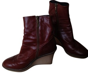 Juicy Couture dark tan Boots