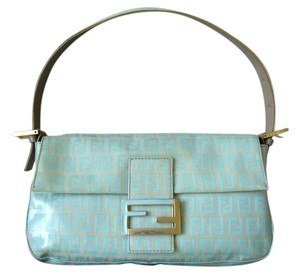 Fendi Shoulder Patent Tote in mint beige