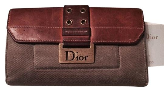 Preload https://item1.tradesy.com/images/dior-army-green-diorissimo-street-chic-wallet-3512335-0-0.jpg?width=440&height=440