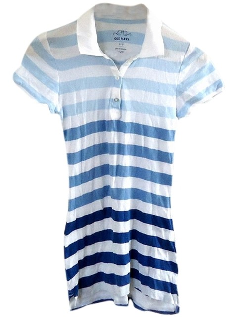 Preload https://img-static.tradesy.com/item/3513226/old-navy-striped-tee-shirt-size-4-s-0-0-650-650.jpg