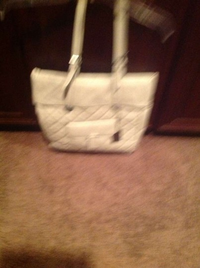 The Limited Beige In Color Chanel Style Free Shipping Shoulder Bag