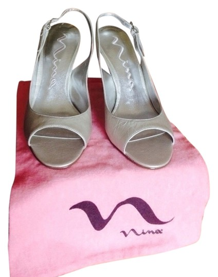 Nina Shoes Silver Pumps