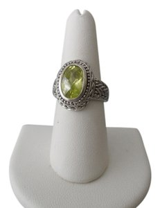 FABULOUS RING PERIDOT COLOR GREEN STONE AUGUST BIRTHSTONE RING Size 8