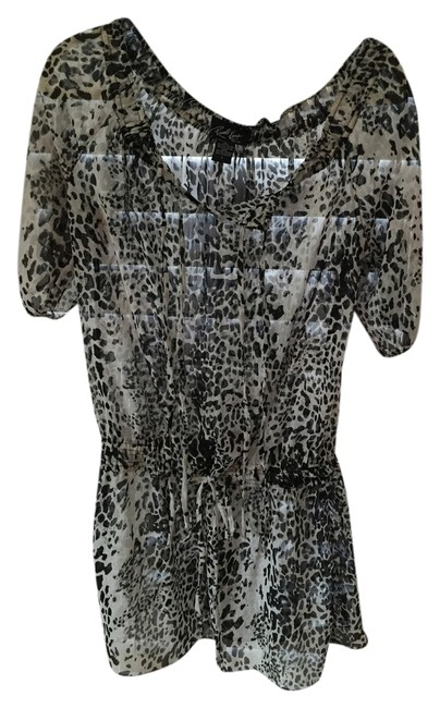 Preload https://item1.tradesy.com/images/russell-kemp-black-white-and-silver-beach-cover-up-or-mini-short-casual-dress-size-4-s-3520480-0-0.jpg?width=400&height=650