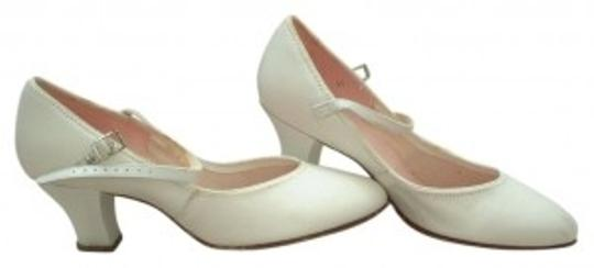 Preload https://item2.tradesy.com/images/capezio-white-character-pumps-size-us-6-regular-m-b-35206-0-0.jpg?width=440&height=440