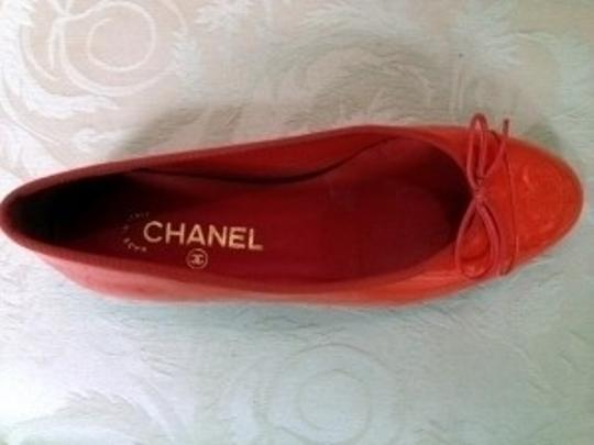 Chanel Patent Leather Cc On Toe lipstick Flats