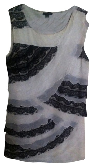 Preload https://item1.tradesy.com/images/ann-taylor-lace-xs-sleeveless-top-blackivory-3521650-0-0.jpg?width=400&height=650