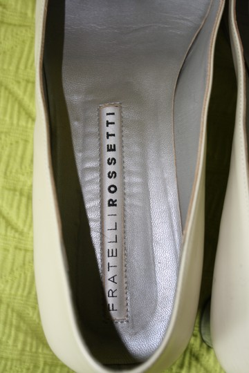 Fratelli Rossetti Chain Detailing Ivory Pumps