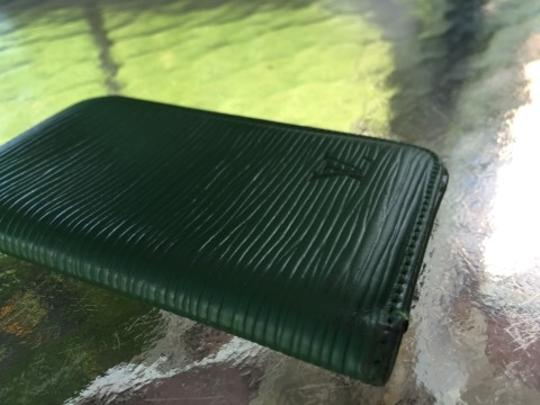 Louis Vuitton Authentic Louis Vuitton Epi Green Card Holder