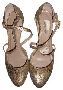 Ellen Tracy Metallic Gold Pumps