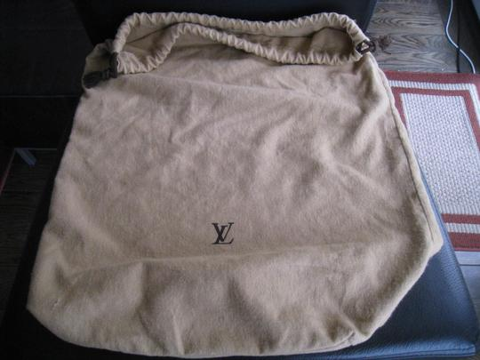 Louis Vuitton Tote in Camel