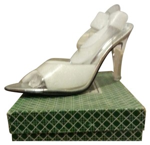 J. RENE'E Clear/ Silver Pumps