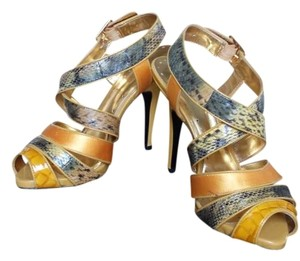 BCBG Snakeskin Satin Leather Gold Pumps