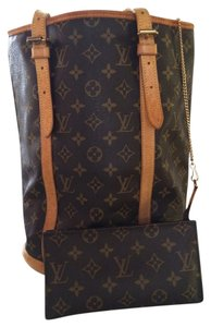 Louis Vuitton Tote in Classic Monogram