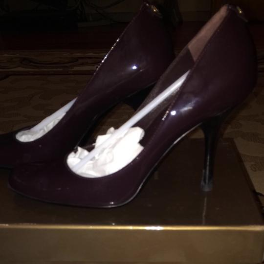 Gucci Plum Pumps
