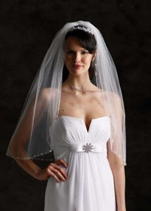 David's Bridal Ivory Short Elbow Length 1 Tier with Pearls and Crystals Bridal Veil