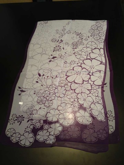 Gorgeous scarf Brand New Gorgeous purple multi floral light weight scarf