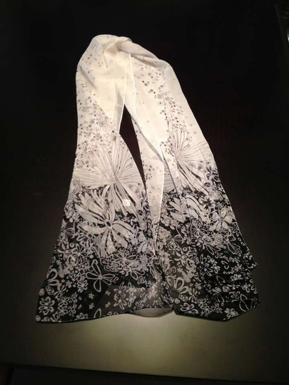 Other Brand New Gorgeous black multi floral print light weight scarf