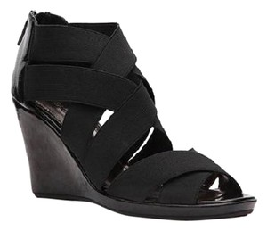 Kenneth Cole Reaction Patent Leather Sandals Black Wedges