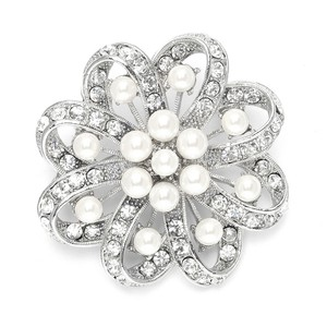 Mariell Regal Crystal & Pearl Swirl Vintage Wedding Brooch 3714p