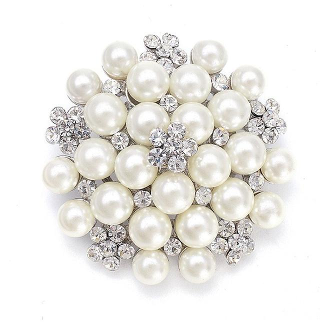 Item - Silver/Pearl Cluster with Crystal 3150p-s Brooch/Pin