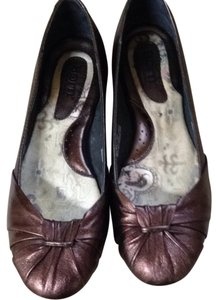 Brn Metallic Brown Flats
