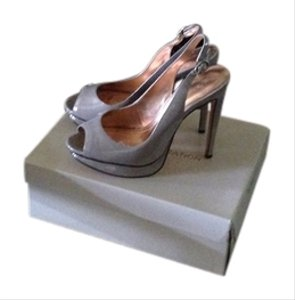 BCBGeneration Gray/gold Pumps