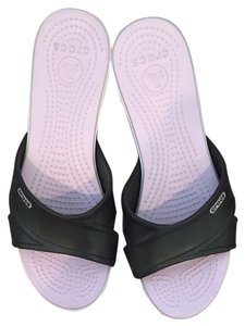 Crocs Pink / Brown Sandals