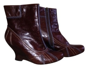 Kensie Brown Boots