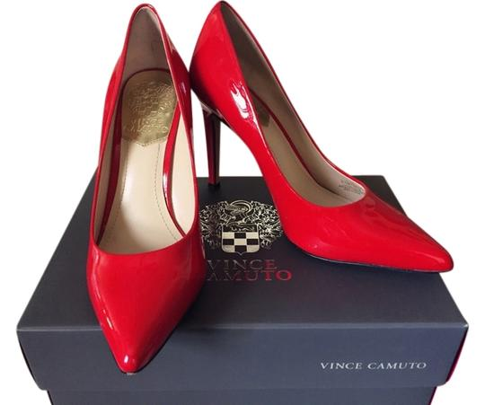 Preload https://item5.tradesy.com/images/vince-camuto-blood-red-pumps-3541684-0-0.jpg?width=440&height=440