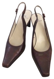 Anne Klein dark brown with grain Pumps