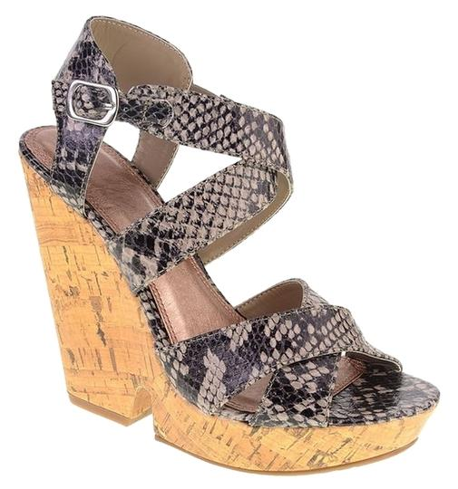 Preload https://item4.tradesy.com/images/chinese-laundry-wedges-3542398-0-0.jpg?width=440&height=440