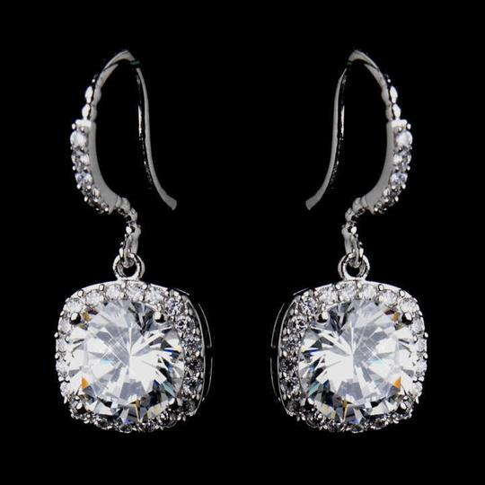 Preload https://img-static.tradesy.com/item/354244/elegance-by-carbonneau-silver-stunning-cz-and-formal-earrings-0-0-540-540.jpg