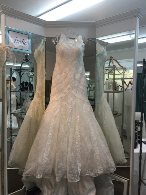 Item - Off White Lace and Tulle Oleva Traditional Wedding Dress Size 12 (L)