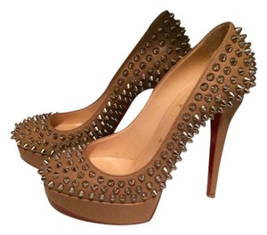 Christian Louboutin Spike nude Pumps