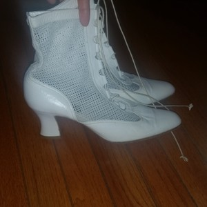 Diva White Real Leather Tie Boots/Booties Size US 8.5 Regular (M, B)