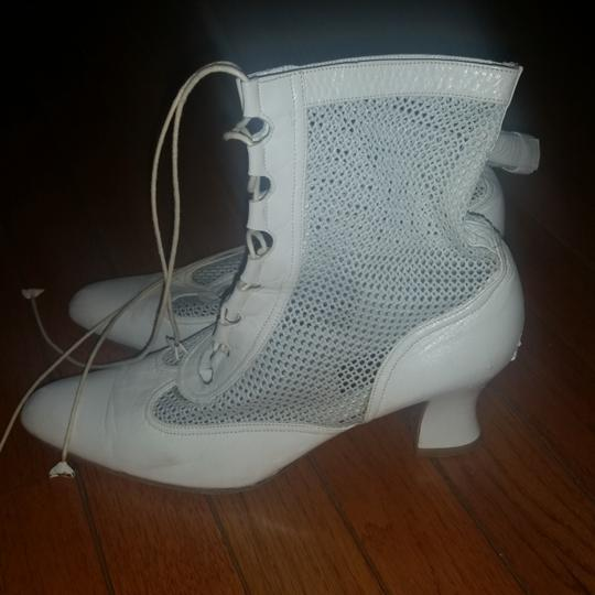 Diva White Leather Boots/Booties Size US 8.5 Regular (M, B)