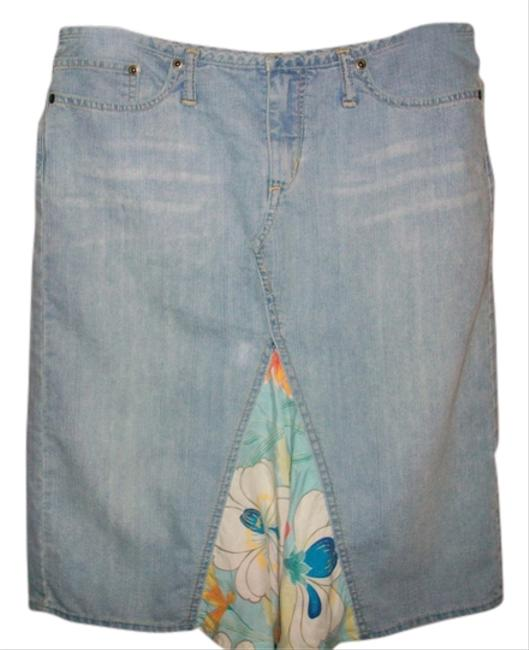Preload https://item5.tradesy.com/images/express-jean-size-6-s-28-3544324-0-0.jpg?width=400&height=650
