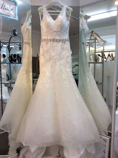 St. Patrick Off White Tulle and Lace Haman Traditional Wedding Dress Size 10 (M)