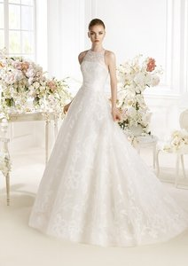 Pronovias Parnnel Wedding Dress
