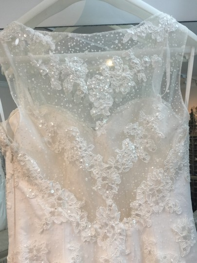 La Sposa Off White Lace and Tulle Idoia Modern Wedding Dress Size 8 (M)