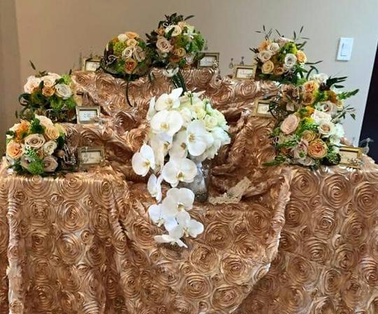 Champagne 20 - Satin Rosettes Tablecloth Image 1