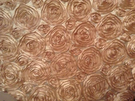 Champagne 20 - Satin Rosettes Tablecloth Image 2