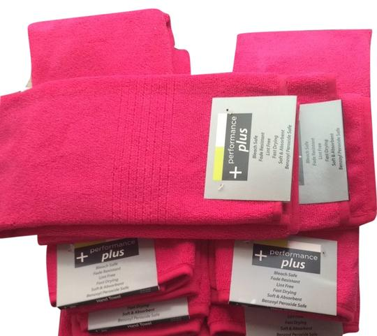 Performance Plus Lot of 8 Hot Pink Hand Towels