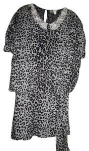 DG California LEOPARD SUIT SIZE 17/18 Black & White Blouse & Matching Skirt