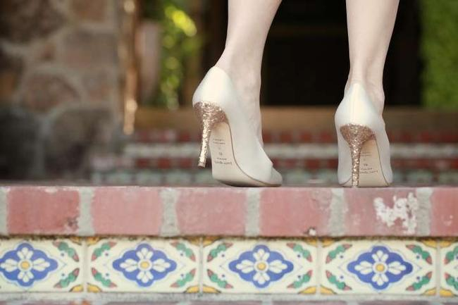 Item - Ivory Glitter Gold Pumps Size US 9.5