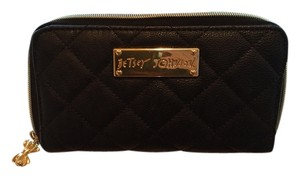Betsey Johnson Black / Gold Clutch