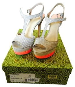 Gianni Bini Gris toe/wht Pumps