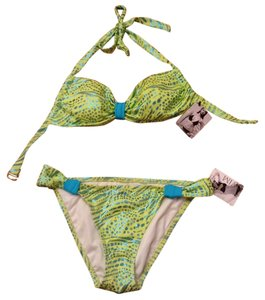 b8c00ace8606e Women's Green Victoria's Secret Full Bikinis - Up to 90% off at Tradesy